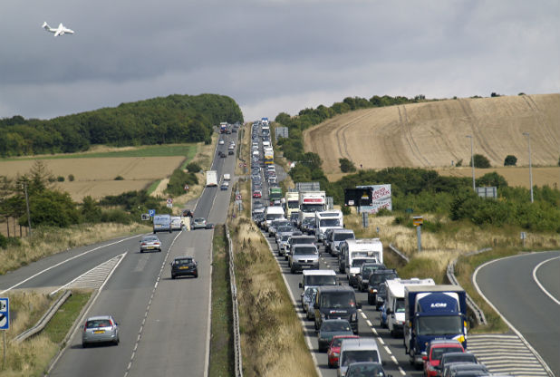 Crash at Hawk Conservancy on A303