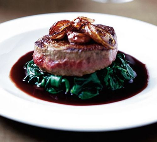 Food News | Steak in Red Wine Sauce for 14th March 2018 | Andover & Villages