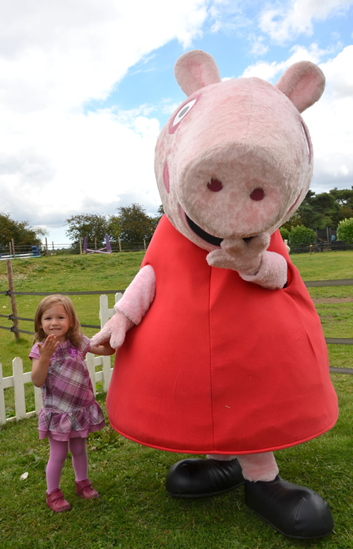 Andover What's On Guide - Peppa Pig Visits Finkley Down Farm
