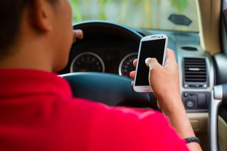 Hampshire Police Crack Down on Drivers Using Mobile Phones