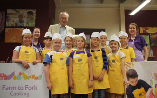 Sir George Young Visits Farm to Fork in Tesco Andover