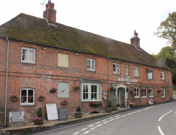 The White Lion Pub and Restaurant in Wherwell