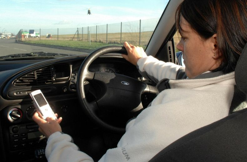 Romsey Motor News | Sixth of UK motorists used phones whilst driving in the last month despite new laws | Romsey & Villages