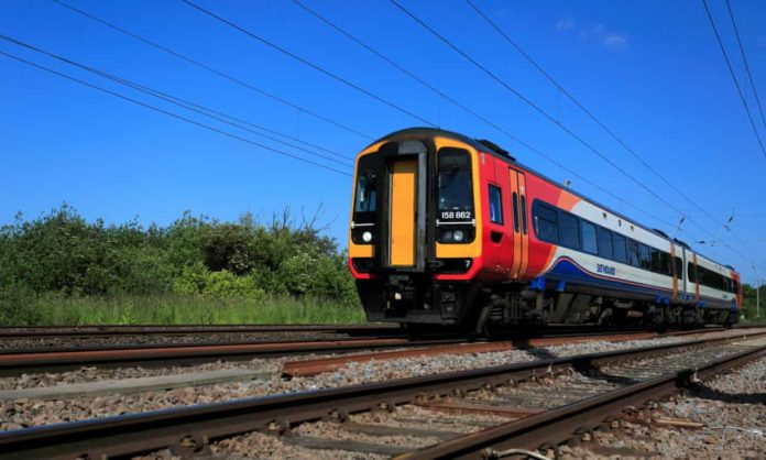 Heat wave trains