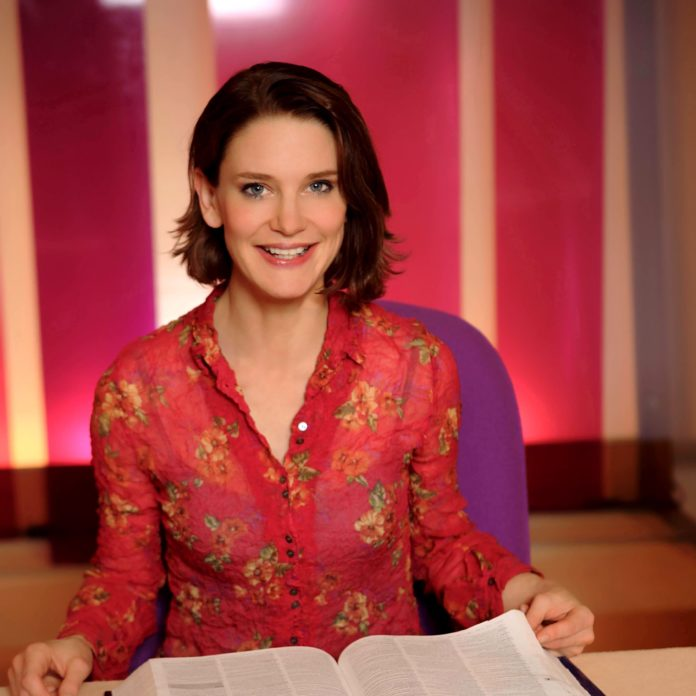 Susie Dent Comes to Andover The Lights