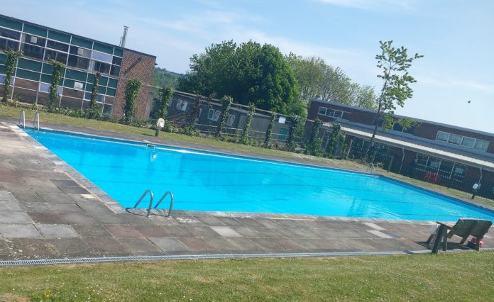 Hundreds petition against closure of local school pool
